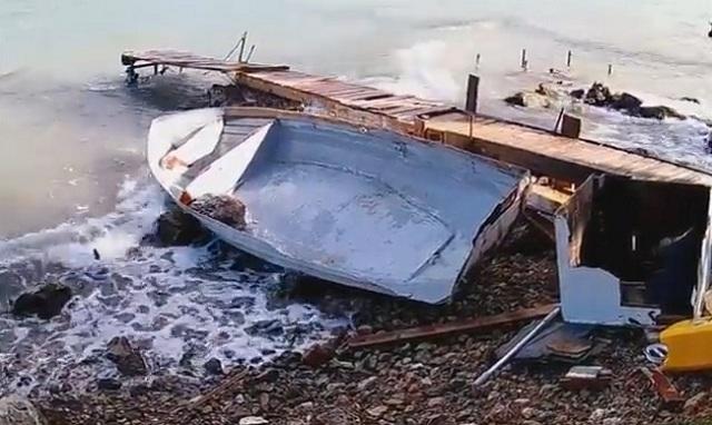 Ναύπλιο: Η θάλασσα «κατάπιε» και κατέστρψε βάρκες. Εικόνες καταστροφής λόγω κακοκαιρίας [βίντεο]