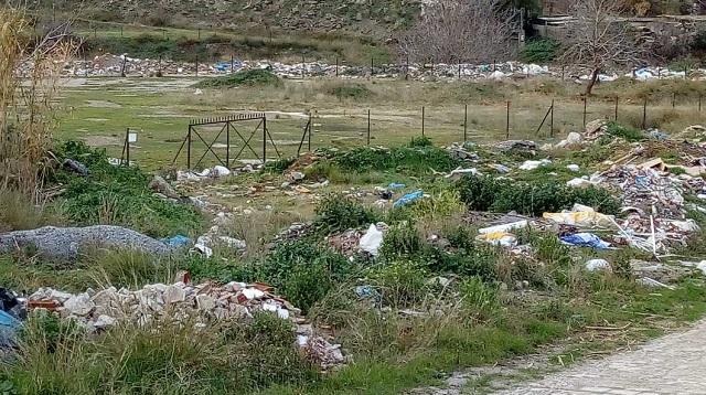 Παράνομες χωματερές στα πέριξ του Βόλου