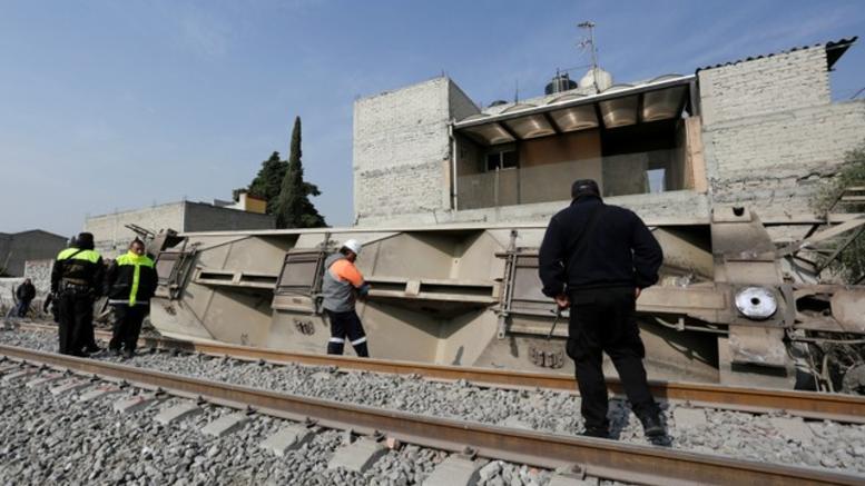 Τρένο εκτροχιάστηκε στο Μεξικό, βαγόνι μπήκε σε σπίτι. Νεκροί οι 5 ένοικοι