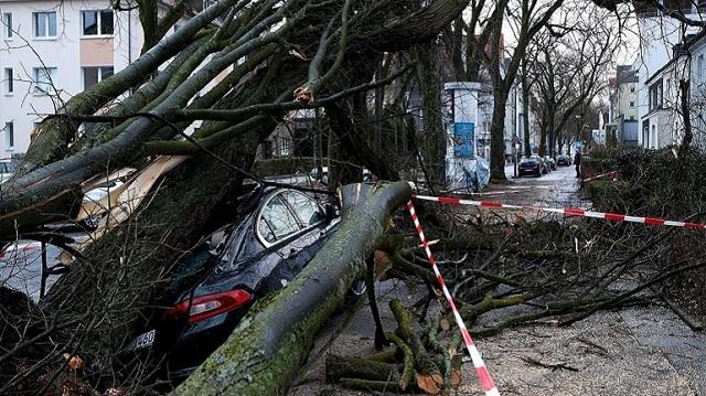 Γερμανία: Εννέα νεκροί από την καταιγίδα «Φρειδερίκη» που πλήττει τη βόρεια Ευρώπη