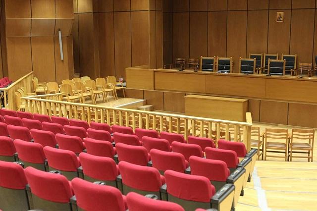 Επεισόδια στη δίκη για το συμβόλαιο θανάτου στην Πεντέλη. Κρατούμενοι καθύβρισαν το δικαστήριο