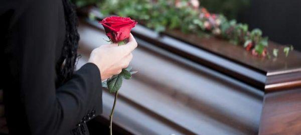 Σοκαριστικό: Νεκρή γυναίκα στην Αφρική «γέννησε» 10 μέρες μετά τον θάνατό της