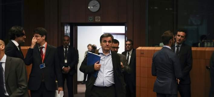 Τσακαλώτος: Κίνδυνος να ζητήσει το ΔΝΤ μείωση αφορολόγητου από το 2019