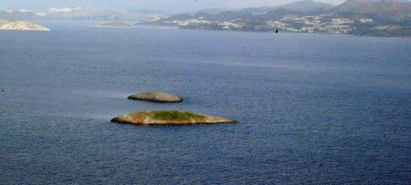 Ελληνας ψαράς: Οι Τούρκοι δεν μας αφήνουν να πλησιάσουμε τα Ιμια