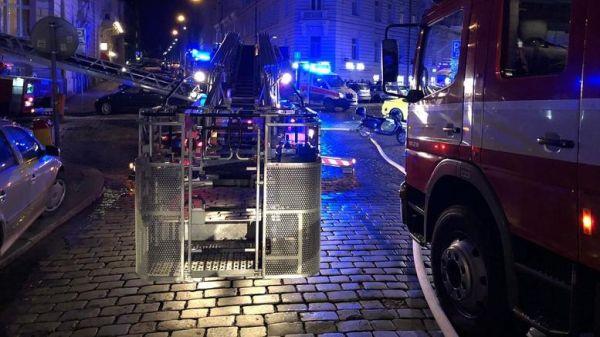 Δύο νεκροί από μεγάλη πυρκαγιά σε ξενοδοχείο στην Πράγα