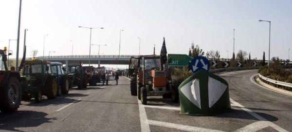 Μπλόκο ετοιμάζουν την προσεχή Πέμπτη οι αγρότες της Λάρισας