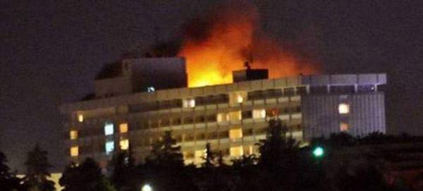 Καμπούλ: Ενοπλοι εισέβαλαν σε ξενοδοχείο & άνοιξαν πυρ