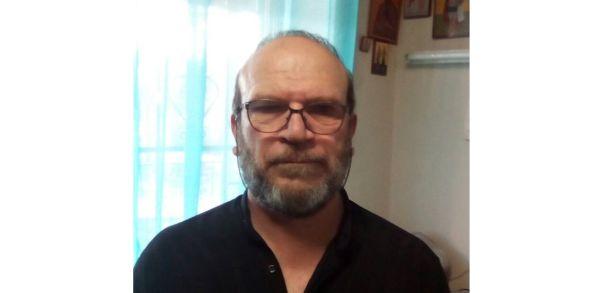 Μηχανικός του Εμπορικού Ναυτικού χειροτονείται διάκονος