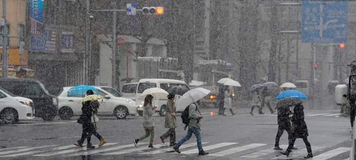 Χάος από την κακοκαιρία στην Ιαπωνία: 67 τραυματίες και ακυρώσεις πτήσεων [εικόνες]