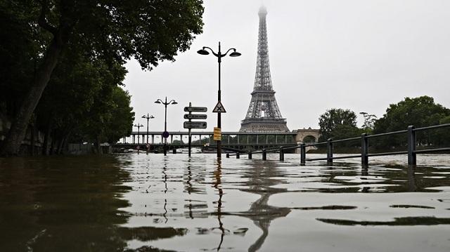 Γαλλία: Ανεβαίνει η στάθμη των υδάτων στον Σηκουάνα και τον Ρήνο