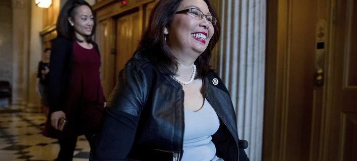 Μήνυμα ζωής: 50χρονη Αμερικανίδα γερουσιαστής χωρίς πόδια έγκυος στο δεύτερο παιδί της