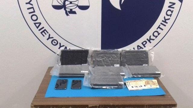 Σύλληψη αυτοκινητιστή για μεταφορά και εισαγωγή κοκαΐνης