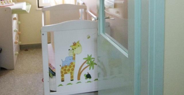 Τραγωδία στην Εύβοια: Μητέρα βρήκε νεκρό το 3χρονο αγοράκι της στην κούνια