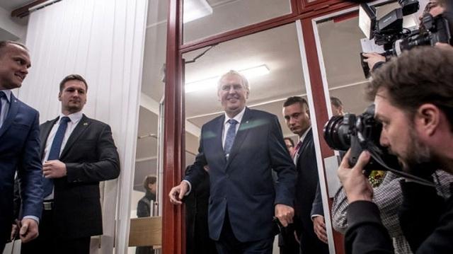 Δεύτερος γύρος των προεδρικών εκλογών στην Τσεχία