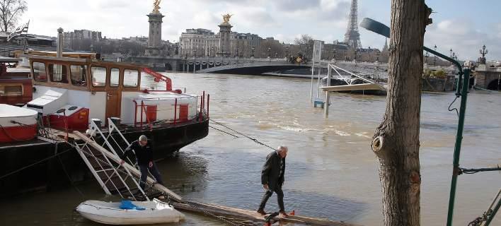 Σε επιφυλακή το Παρίσι -Εξακολουθεί να «φουσκώνει» ο Σηκουάνας [εικόνες]