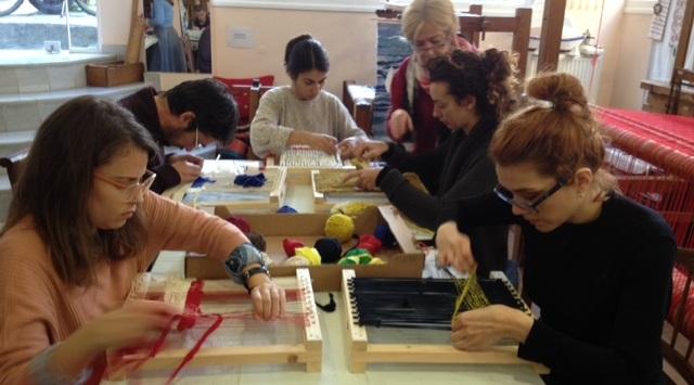 Μεταπτυχιακοί φοιτητές Αρχιτεκτονικής «μυήθηκαν» στην υφαντική από το ΛΕΒ