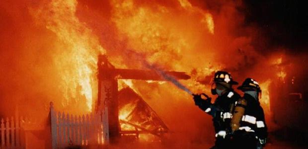 Φωτιά άφησε άστεγη μια οικογένεια στη Nέα Ιωνία