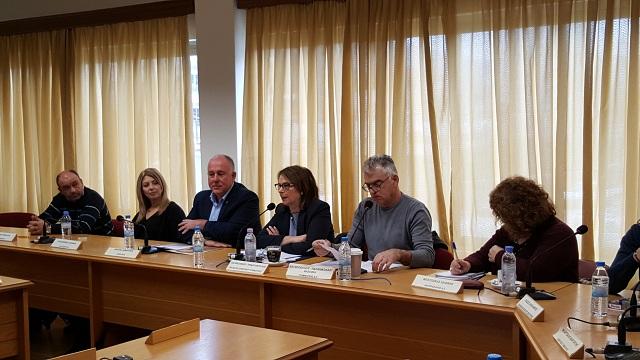 Ευρεία σύσκεψη υπό την Υφ. Οικονομικών στο Δημαρχείο Ρ. Φεραίου
