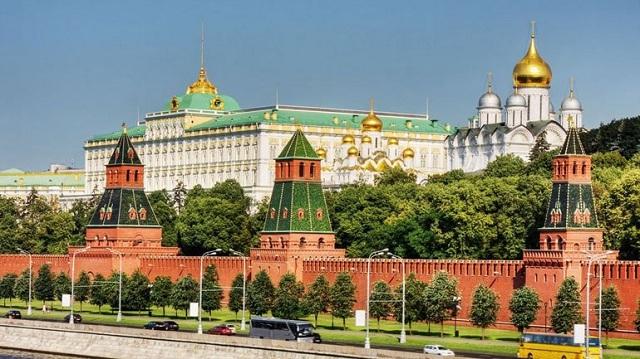 Επιφυλακτικό το Κρεμλίνο στη δημοσιοποίηση της «λίστας των ολιγαρχών»