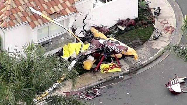 Τραγωδία στην Καλιφόρνια: Ελικόπτερο καρφώθηκε σε σπίτι. Τρεις νεκροί [εικόνες]