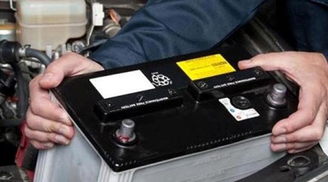 Πλήθος κλεμμένες μπαταρίες στο αυτοκίνητο 36χρονου