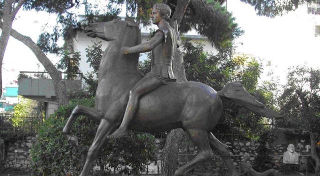 Γ. Σούρλας Βρέθηκε χώρος για το άγαλμα του Μ. Αλεξάνδρου στην Αθήνα
