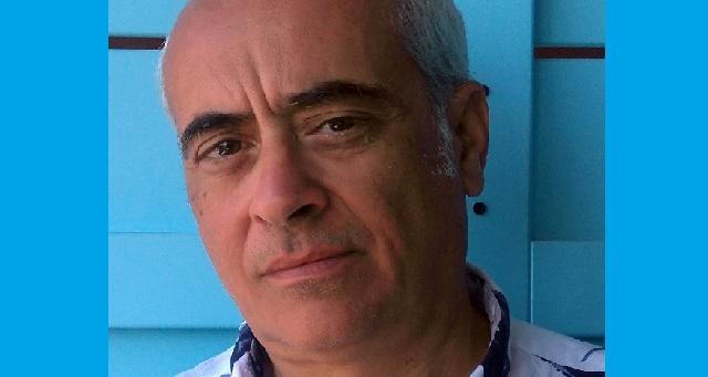 Ο καθηγητής Ζήσης Κοτιώνης παρουσιάζει την ατομική του έκθεση