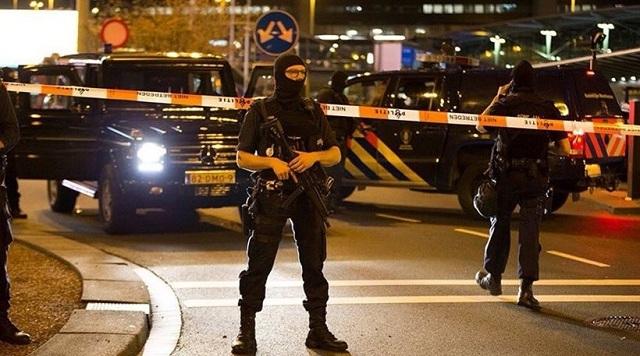 Σοκ στην Ολλανδία για την εν ψυχρώ δολοφονία 17χρονου μπροστά σε παιδιά