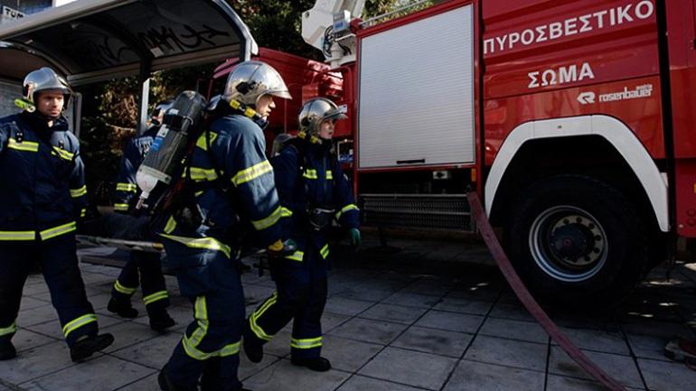 Πυρκαγιά σε συνεργείο αυτοκινήτων στον Γέρακα Αττικής