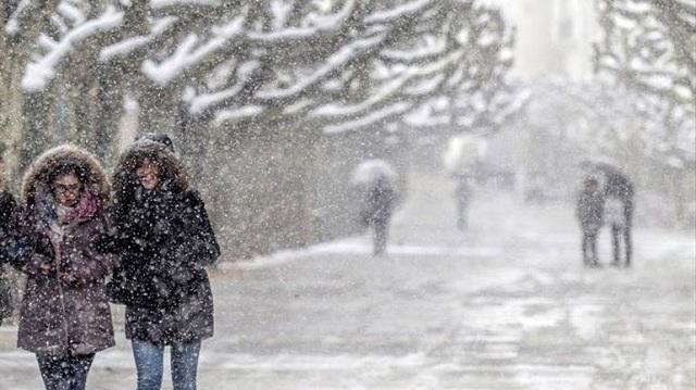 Ακυρώσεις πτήσεων και μεγάλα προβλήμα λόγω των σφοδρών χιονοπτώσεων στην Ισπανία