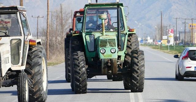 Αποχώρησαν οι αγρότες από την κόμβο Πλατυκάμπου [εικόνες]