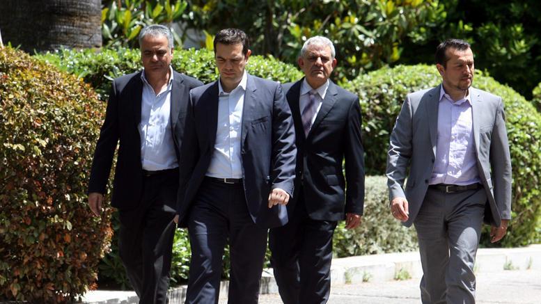 Πολιτικό συμβούλιο συγκαλεί αύριο ο Τσίπρας για τη Novartis
