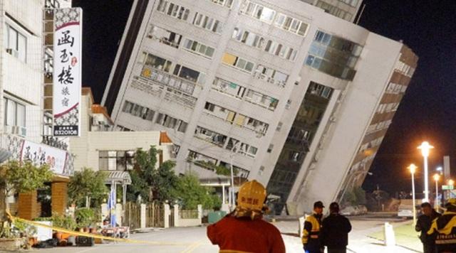 Εικόνες αποκάλυψης στην Ταϊβάν από σεισμό 6,4 Ρίχτερ
