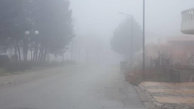 Πυκνή ομίχλη στη Λάρισα [εικόνες]