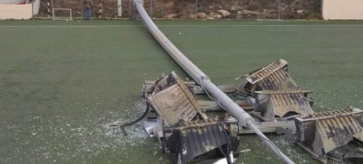 Παραλίγο τραγωδία στη Σταμάτα: Επεσε πυλώνας στο γήπεδο δύο λεπτά μετά το τέλος αγώνα
