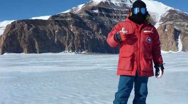 Έλληνας γεωλόγος περιγράφει τη μοναδική εμπειρία από τη συμμετοχή του σε αποστολή στην Ανταρκτική