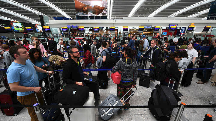 Έκλεισε το αεροδρόμιο Σίτι του Λονδίνου: Εντοπίστηκε βόμβα του Β΄ Π.Π.