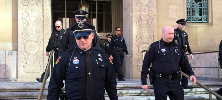 ΗΠΑ: Αποζημίωση σε αστυνομικό που απολύθηκε επειδή δεν ήθελε να πυροβολήσει ύποπτο