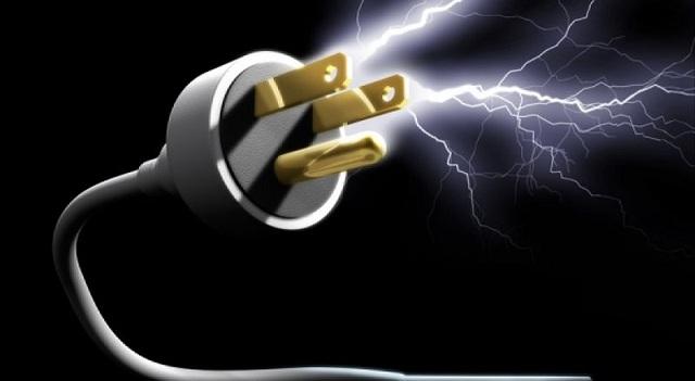 Συστάσεις από τον Σύνδεσμο Εργοληπτών Ηλεκτρολόγων για την αποφυγή ηλεκτροπληξίας