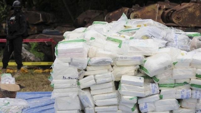 Ισημερινός: Κατασχέθηκε 1,5 τόνος κοκαΐνη κρυμμένη μέσα σε πακέτα με σοκολάτα