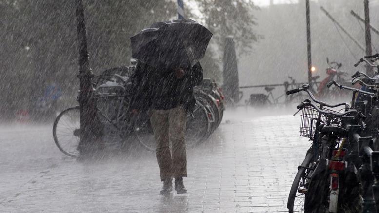 Εκτακτο δελτίο επιδείνωσης καιρού: Καταιγίδες και χιόνι από το βράδυ