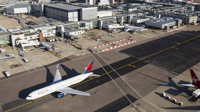 Σοβαρό ατύχημα στο αεροδρόμιο Heathrow του Λονδίνου