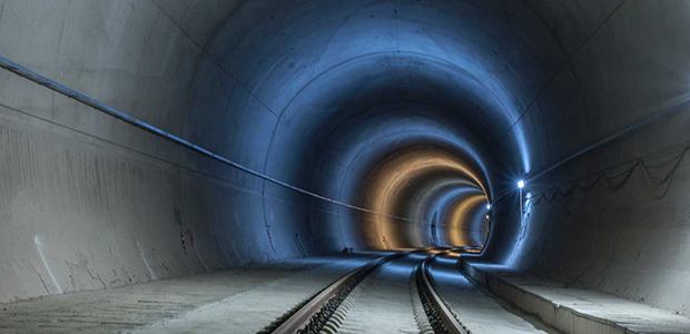 Στο Δομοκό άνοιξε η μεγαλύτερη σιδηροδρομική σήραγγα των Βαλκανίων [εικόνες-βίντεο]