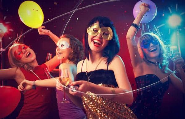 Καρναβαλικό πάρτι με γάμο αλά Ελληνικά
