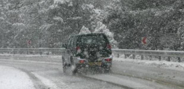 Σφοδρή χιονόπτωση μαζί με βροχή