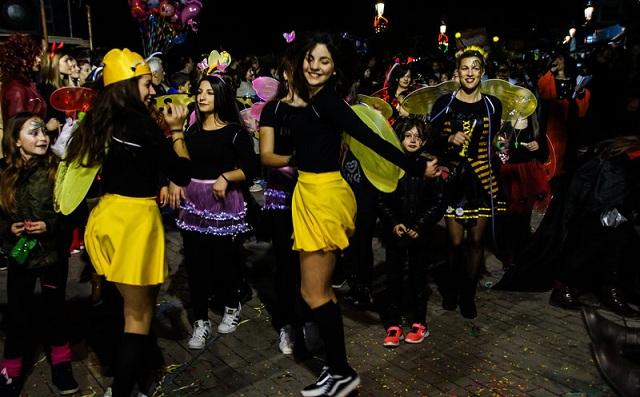 Καρναβάλι στην Πρέβεζα μόνο για γυναίκες: Ενα έθιμο πάνω από 60 ετών [εικόνες]