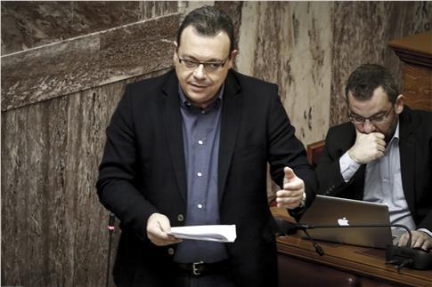 Πένθος για τον υπουργό Σ. Φάμελλο: Πέθανε η σύζυγός του