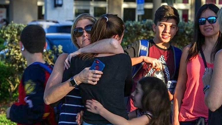 Οι επιζώντες του μακελειού στη Φλόριντα θα διαδηλώσουν κατά της οπλοκατοχής