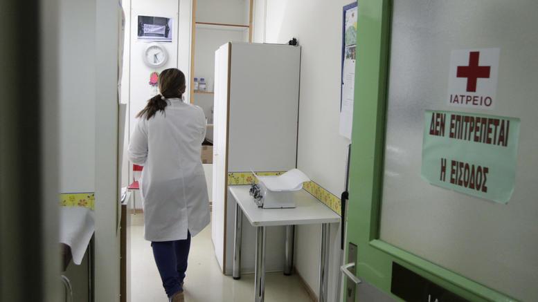 Ανησυχία για την επιδημία ιλαράς. Ποιοι πρέπει να εμβολιαστούν
