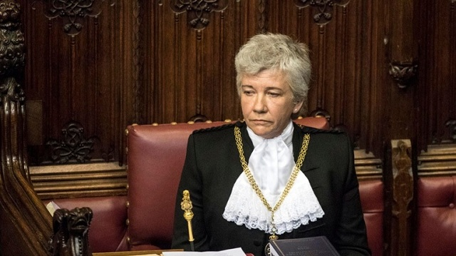 Bρετανία: H πρώτη γυναίκα Black Rod ανέλαβε καθήκοντα στη Βουλή των Λόρδων
